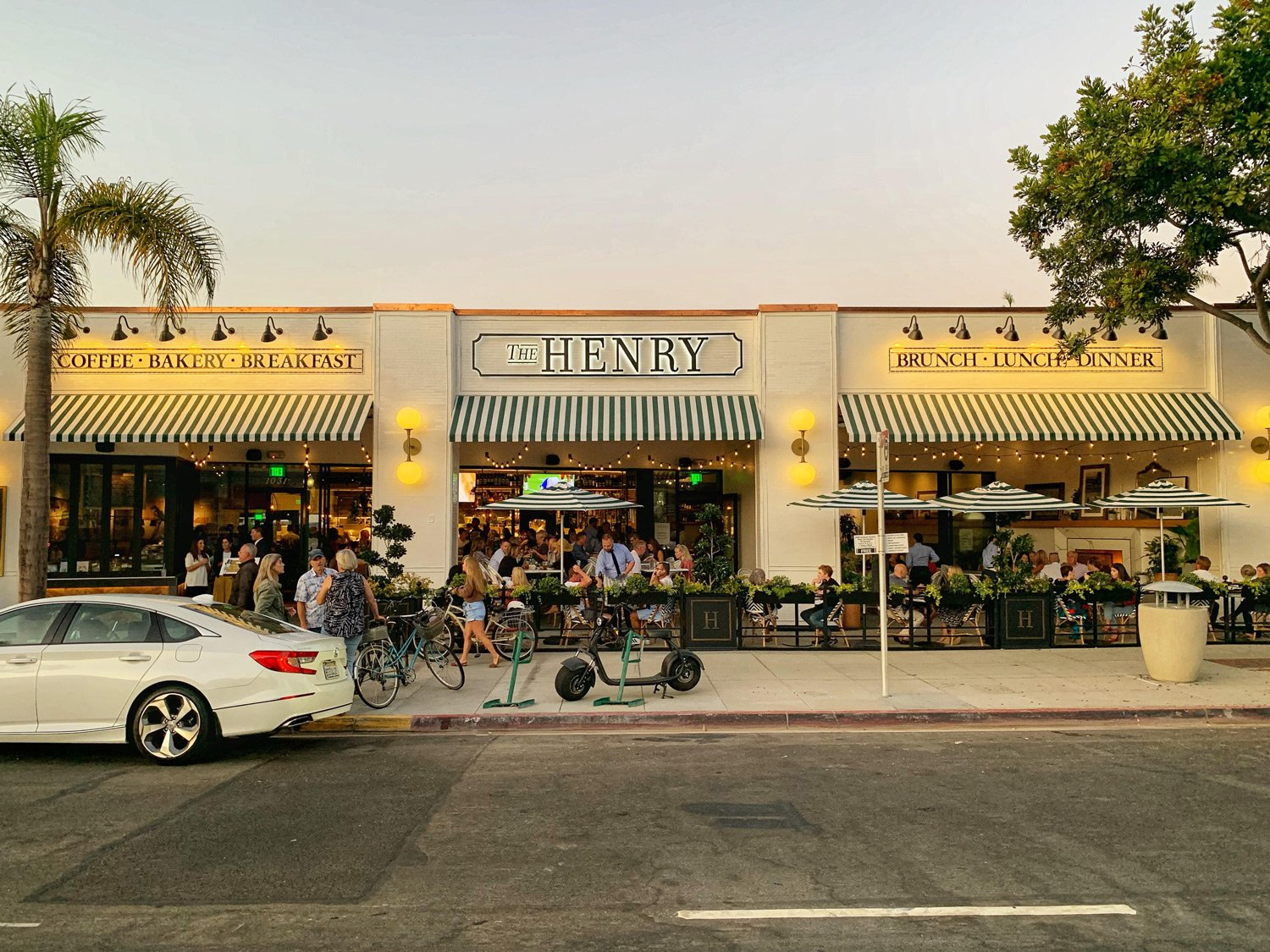 The Henry Restaurant In Coronado